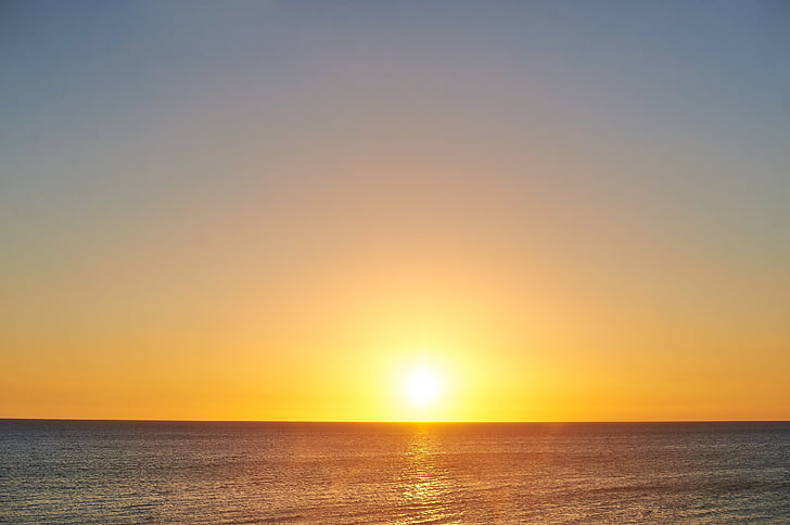 Zalazak sunca u more
