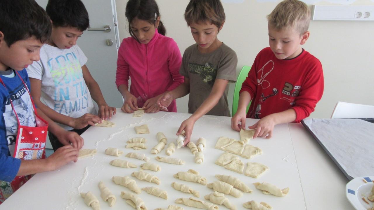 Dani kruha - korisnici mijese klipiće