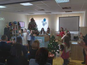 """Proslava 5. obljetnice Centra Svitanje - igrokaz učenica 2. c razreda OŠ """"Braća Radić"""""""