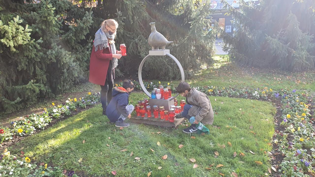Korisnici obilježili Dan sjećanja na žrtve Domovinskog rata i Dan sjećanja na žrtvu Vukovara i Škabrnje - paljenje lampiona (2)