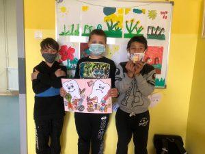 Radionica Svjetski dan oralnog zdravlja - korisnici predstavljaju plakat
