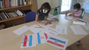 Dan državnosti - korisnice crtaju grb i zastavu RH