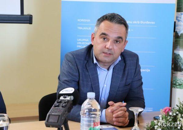 "Konferencija projekta ""Uspostava infrastrukture za pružanje socijalnih usluga Centra za socijalnu skrb Đurđevac"" - naslovna, ravnatelj centra Svitanje"