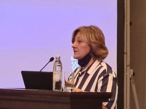 """Seminar """"Aktualnosti u sustavu socijalne skrbi""""- govor predsjednice SZDSSH Jadranke Dimić"""